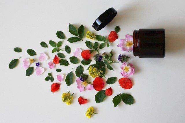 Pojemnik z naturalnymi składnikami