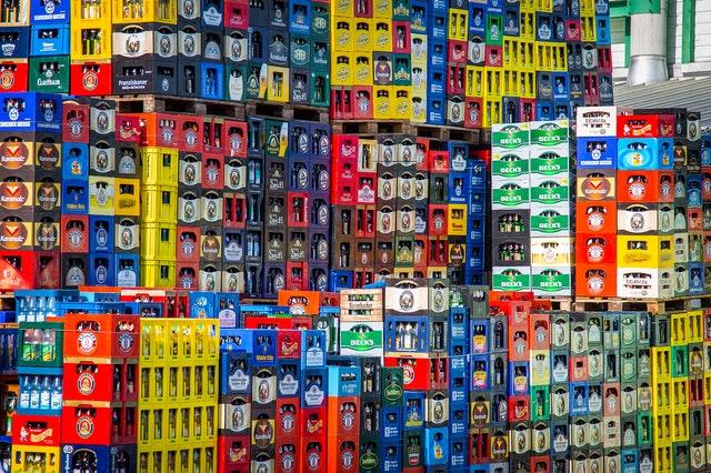 plastikowe skrzynki piwa